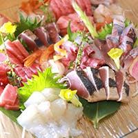 季節を感じられる旬の食材を使用したお料理と握り