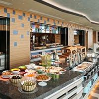選りすぐりの素材と出来立ての料理を贅沢な眺望と共にご堪能