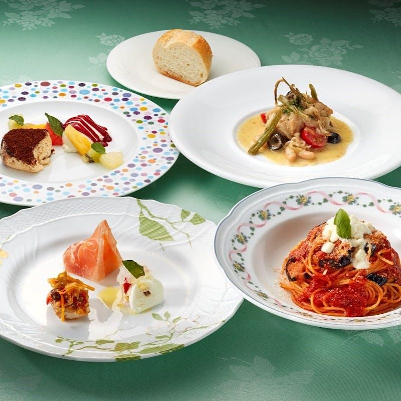 【メディオランチコース】前菜3種、選べるパスタ、メイン料理にドルチェなど全6品+1ドリンク