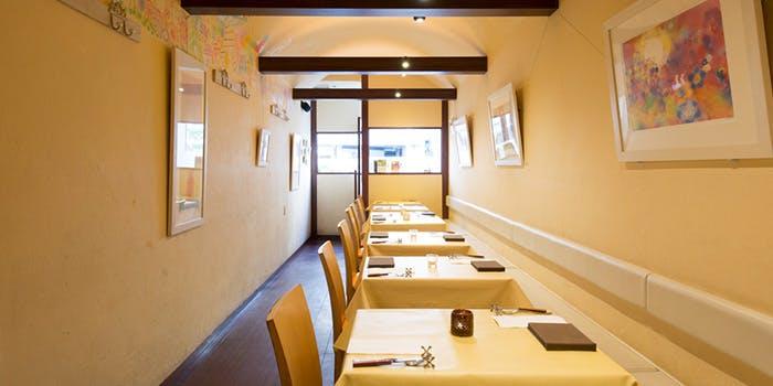 谷根千エリア ランチ 本格的 おすすめ レストランMOMO レストラン モモ フレンチ 店内 雰囲気