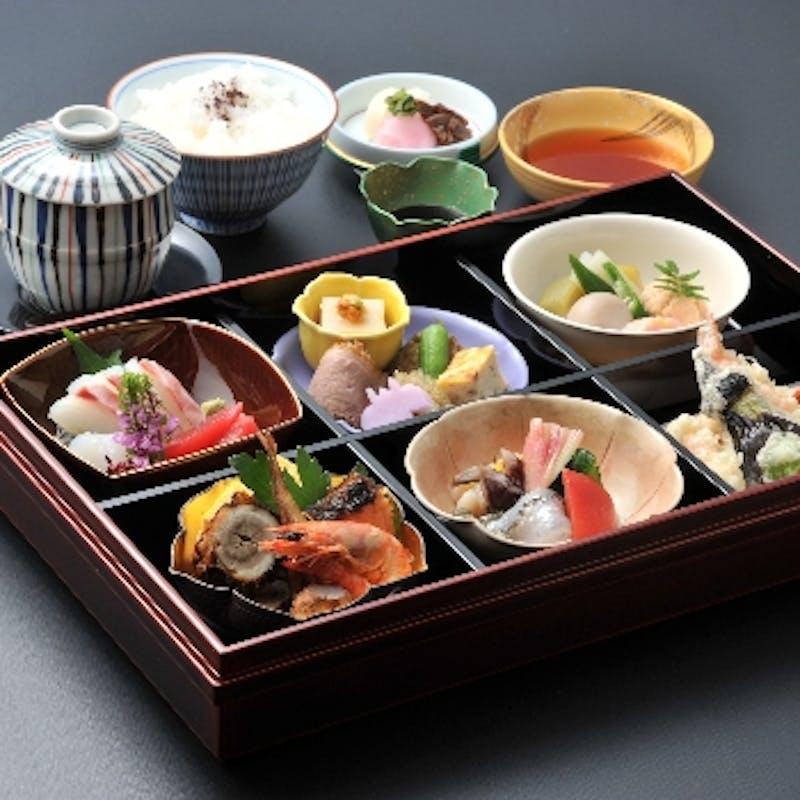 【上松花堂】大切な方々と和を囲んで…宇治でいただく京弁当+デザート付