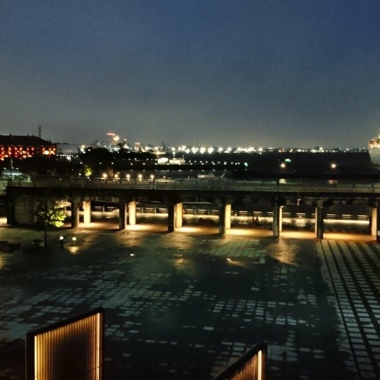 横浜港を一望できる夜景で特別な時間を