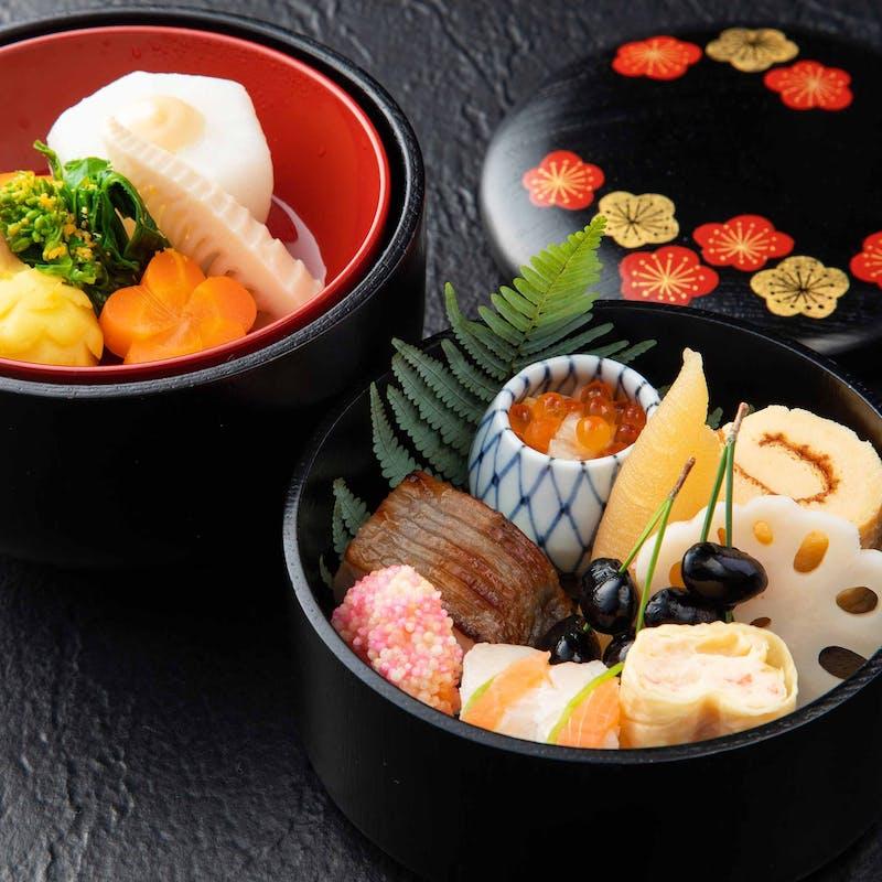 【彩ランチ】鮮やかな季節の味覚を2段重ねのお弁当に