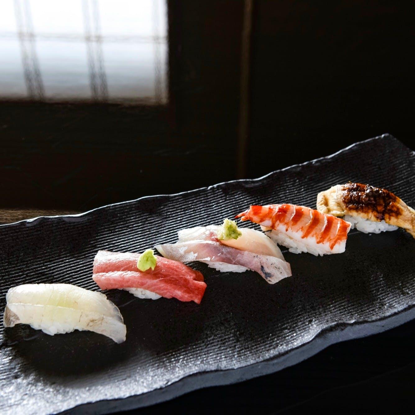 春夏秋冬の彩を愉しむ寿司