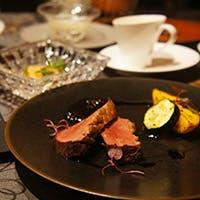 小皿スタイルのイタリアンと料理を彩る素敵なワイン