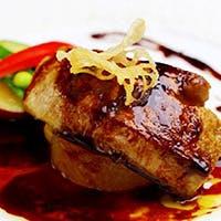 豪華な厳選食材が幸せなお時間に華を添えます