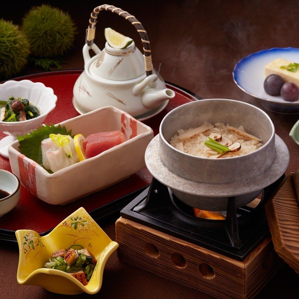 季節限定の松茸釜飯御飯