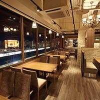 静岡駅直結の好立地、おしゃれな店内でゆったりお食事を