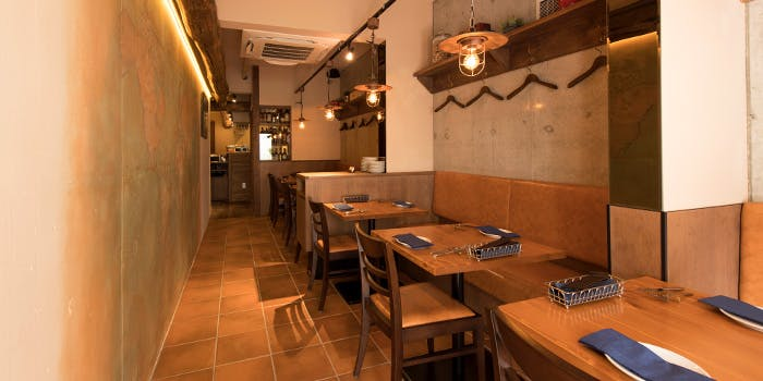 祐天寺 カフェ ランチ おすすめ イタリアン フレンチ 和食 評判 TRATTORIA Quattro Ragazzi トラットリアクアトロラガッツィ 内装 雰囲気 店内