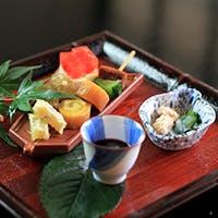 こだわり抜いた新鮮な厳選食材を用いた新日本料理