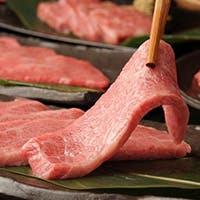肉の魅力を日々感じる、お客さまの笑顔が元気の源の料理人が厳選したロースを