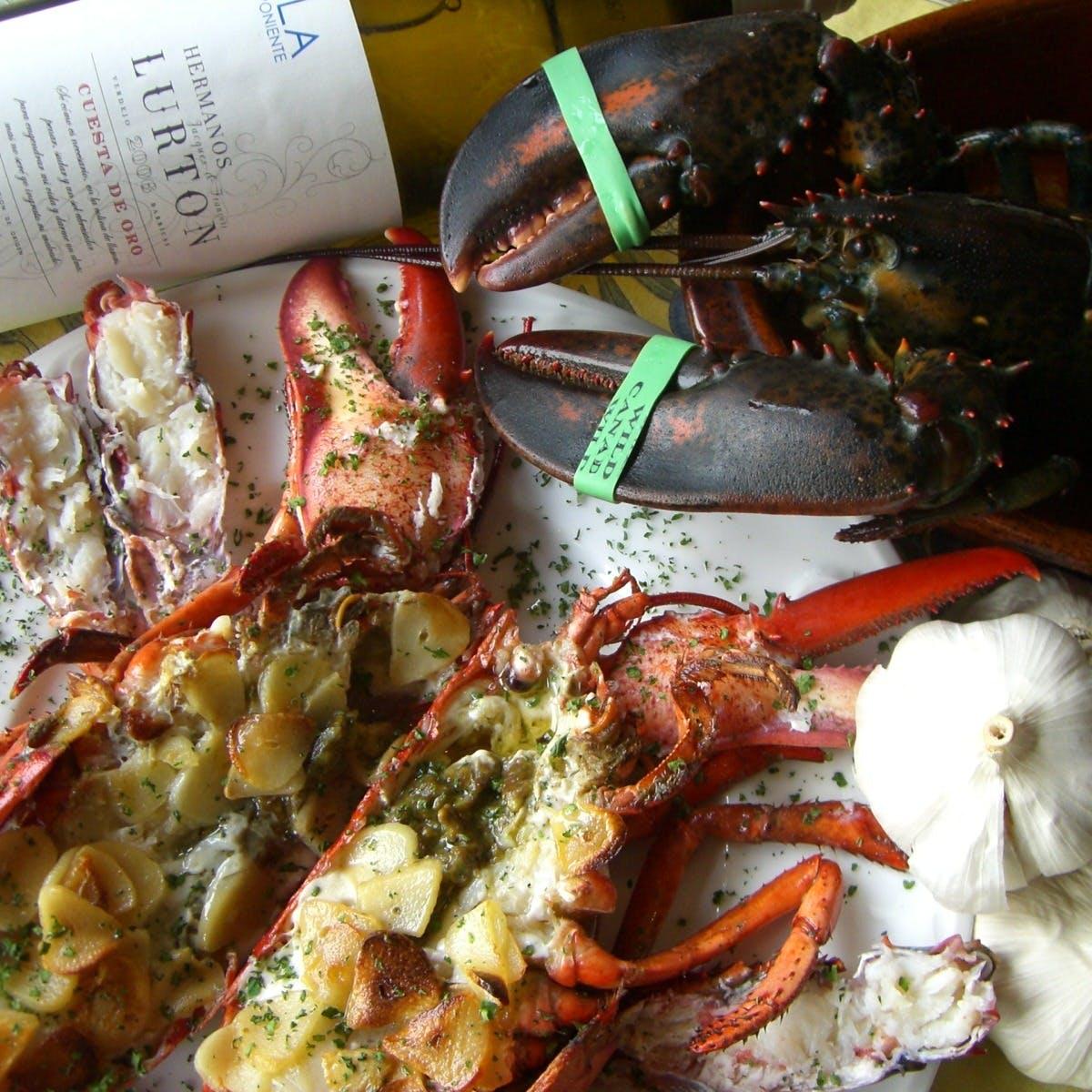 丁寧に作られた自慢のお料理と美味しいワイン