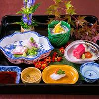 料理を引き立てる厳選日本酒から高級茶まで