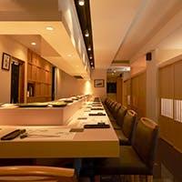 接待に相応しい個室や職人技を愉しむカウンター席も魅力