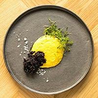 食材と調理法にこだわったオーガニックなモダンメキシカン