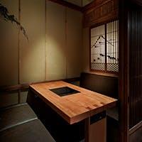 伝統的な日本を意識した趣を感じる個室