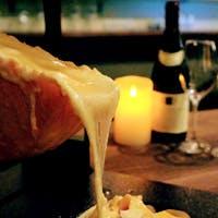 約30種類の世界のチーズが楽しめます