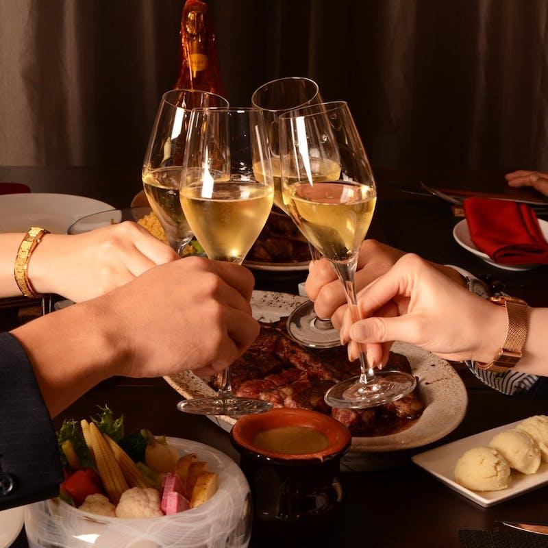 【スペシャルアニバーサリー】ハーフボトル、キャビア、骨付き肉のステーキなど全6品