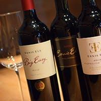 旬の食材を使用した串揚げと豊富な ワイン
