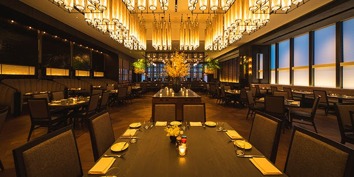 記念日におすすめのレストラン・ロウリーズ・ザ・プライムリブ 赤坂の写真1