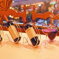 ワインセラーには日本ではまだ未輸入のイタリア直輸入ワインを含め約480種