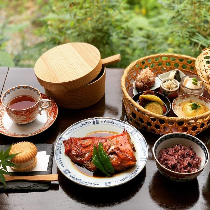 【一休限定 空コース】季節の食材を盛り込んだおまかせ和食を堪能+乾杯ドリンク&選べる主菜