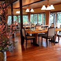 鎌倉山の旧家の別荘を思わせる、極上の佇まい