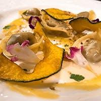 イタリア各州の伝統料理を独創的・革新的な形で再現