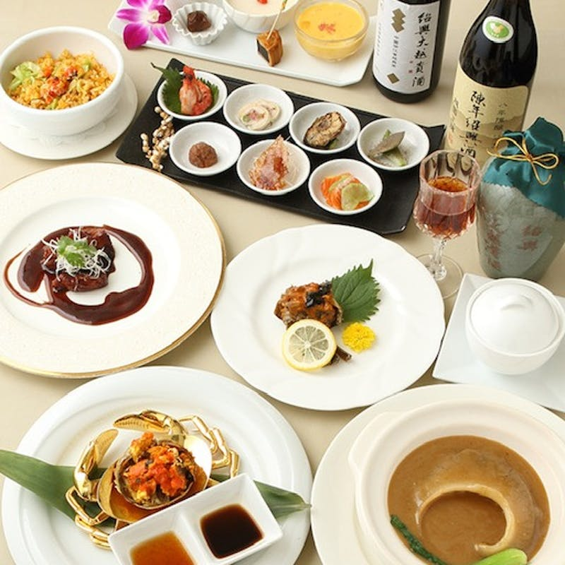 【敦煌コース】柔らか豚ロース肉の酢豚とフカヒレ姿煮込みを味わうディナーコース+選べる1ドリンク