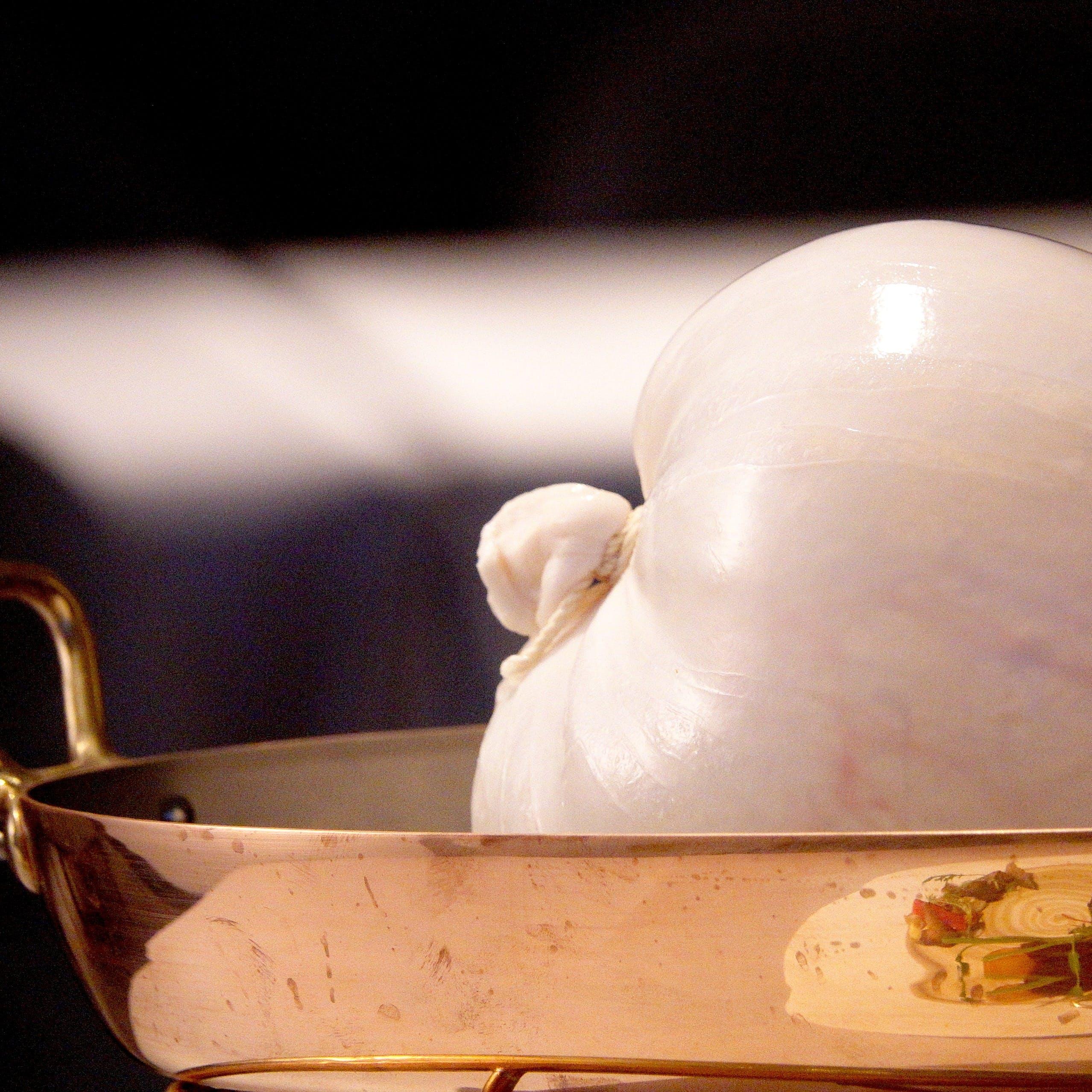 スペシャリテは幻の一皿と呼ばれるヴェッシ―