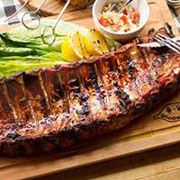 お肉から野菜まで旨みが詰まったグリル料理