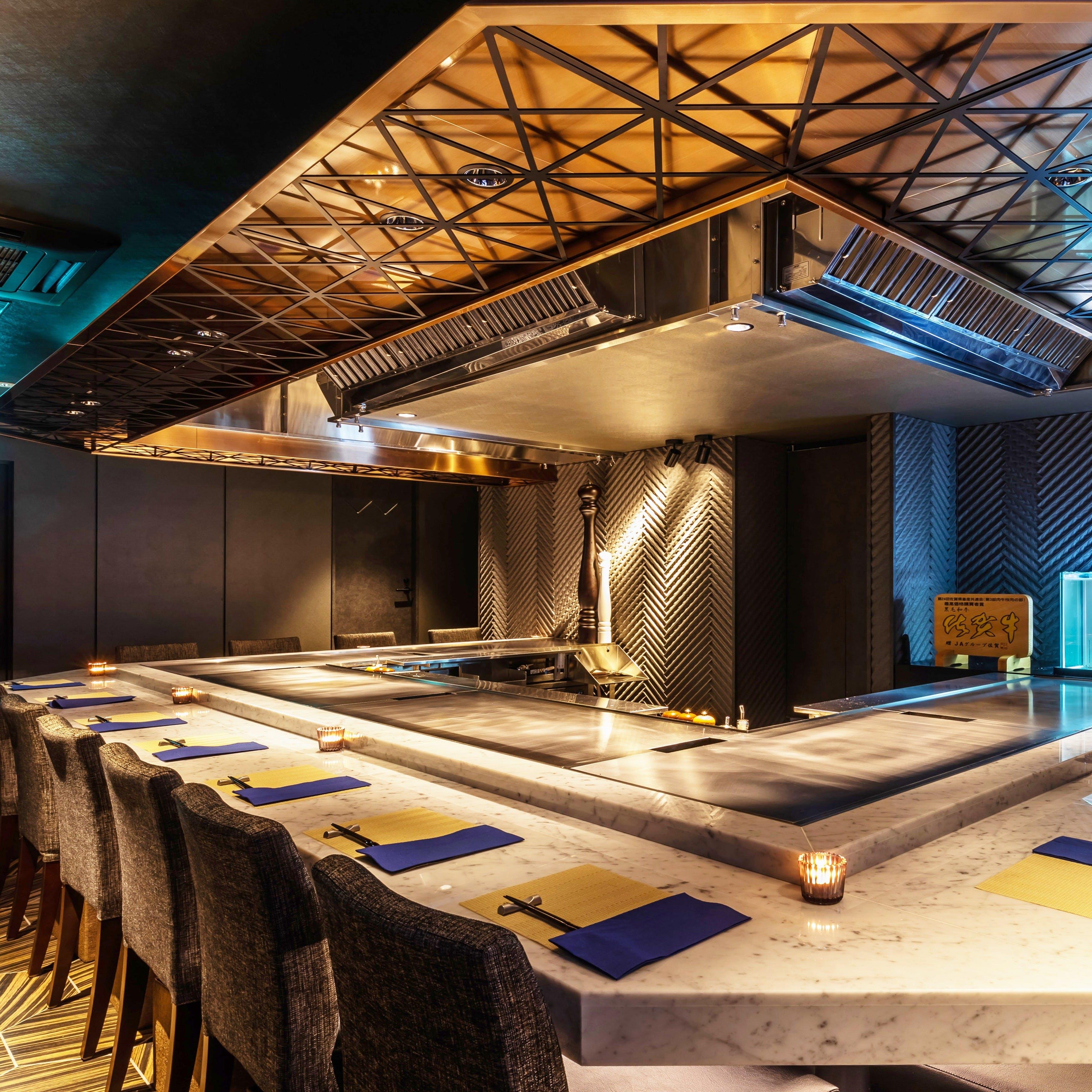 活気あふれるオープンキッチンが魅力