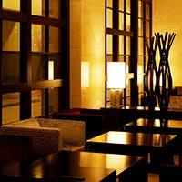 おひとり様のティータイムからビジネスの打ち合わせまで、幅広く使えるホテルラウンジ