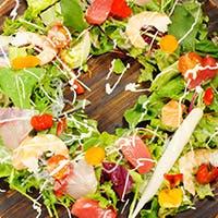 旬の野菜やフルーツが自慢
