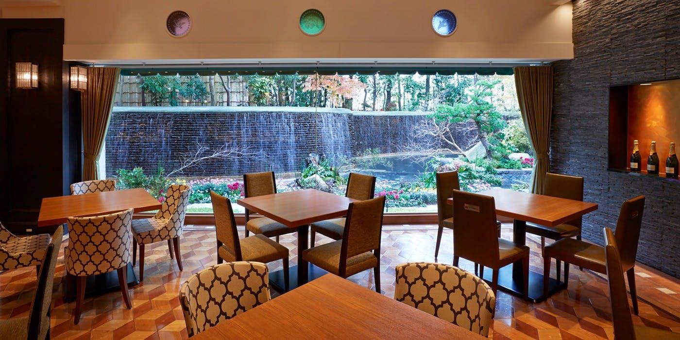 記念日におすすめのレストラン・オールデイダイニング グランカフェ/西鉄グランドホテルの写真1