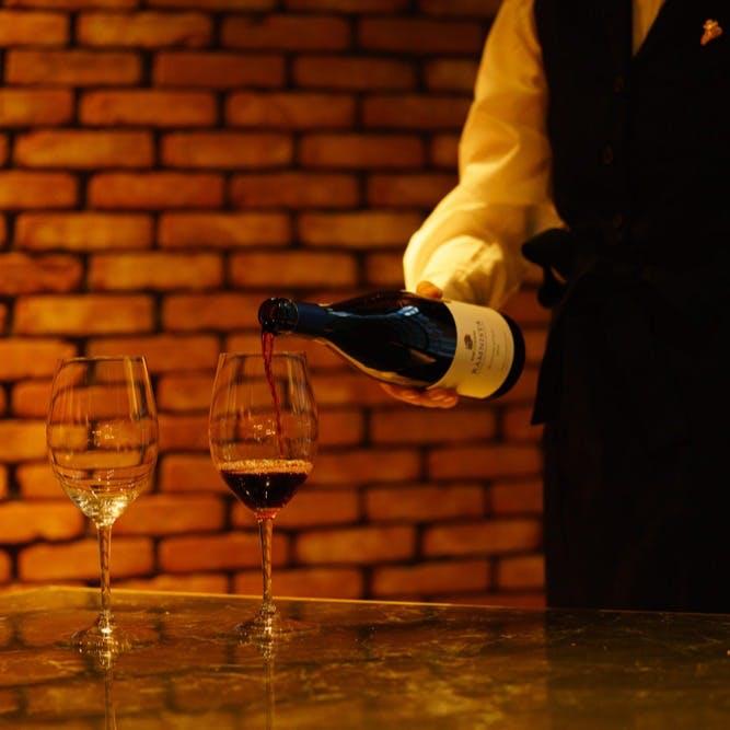 ソムリエ厳選!世界各国のワイン50種以上取り揃え