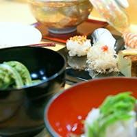 おまかせスタイルで愉しむ鮨×肴×日本酒