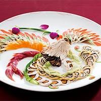 磨き抜かれた伝統の技に、現代的なエッセンスを加えた本格的な中華料理