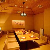 銀座での、ご接待、ご商談、お顔合せ/慶事など大切な御席に最適な完全個室