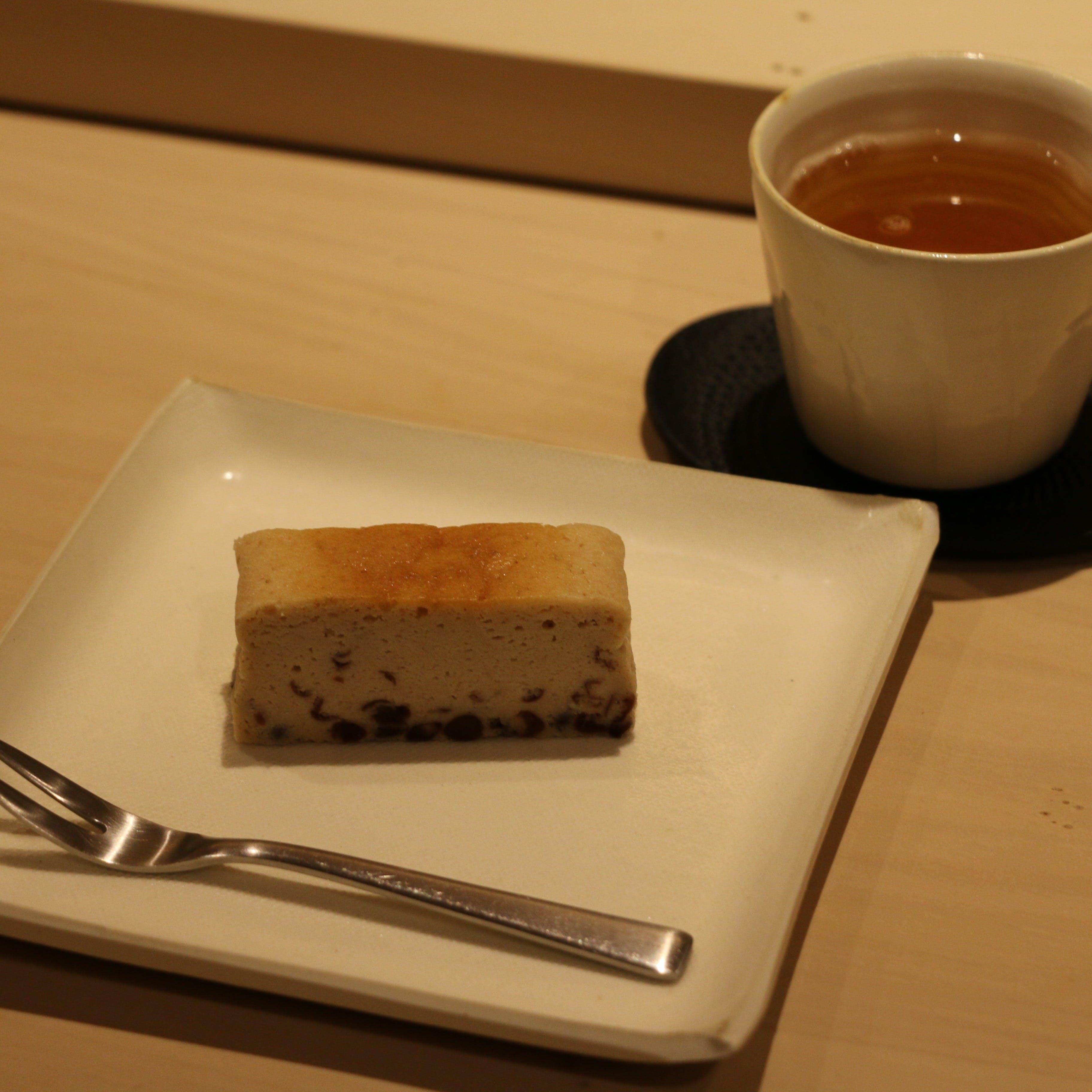コースの最後には和の食材を使った日替わりのデザートを。
