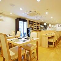 繊細な料理を味わうにふさわしい空間