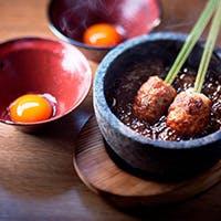 「高坂鶏」や全国の厳選鶏肉、至極の酒を味わう鶏料理専門店