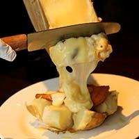 チーズ料理とソムリエ厳選ワイン