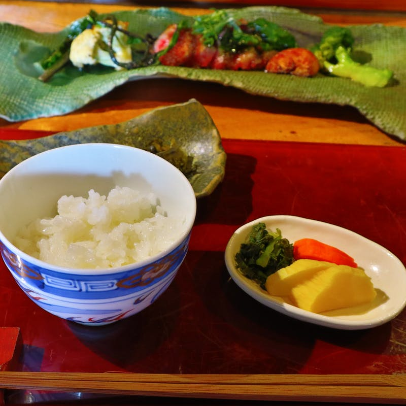 【ランチコース】竈で炊くお米やサラダ、メイン料理など全7品(リクエスト予約)
