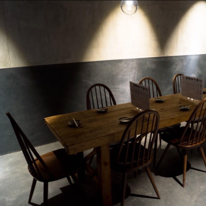 あたたかみのある空間で絶品牡蠣料理を心ゆくまで堪能