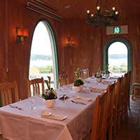 伊勢志摩サミット会場の賢島を眼前に臨む、英虞湾を見晴らす絶景のレストラン