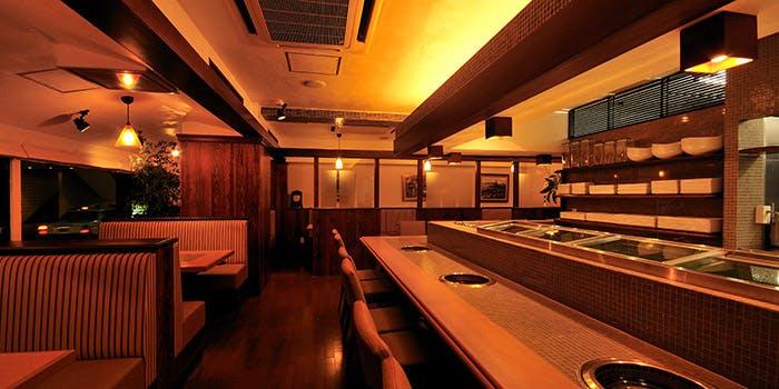 記念日におすすめのレストラン・本格溶岩焼肉 みやび 六本木店の写真1