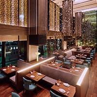 開放的かつホテルならではの優雅な空間は本物を知る大人のオールデイダイニング