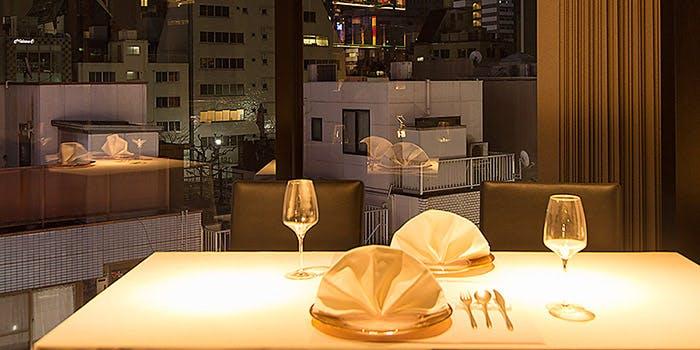 記念日におすすめのレストラン・横浜中華街 福満園 新橋店の写真1