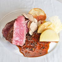 繊細なフランス料理を、鉄板焼きでダイナミックに表現